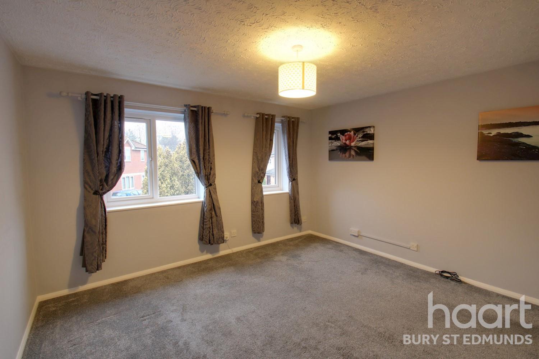 1 bedroom flat / apartment | durham close, bury st edmunds.