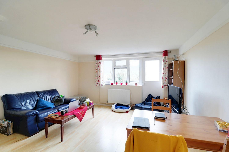 2 bedroom Flat / Apartment   Larkin Close, Cambridge   £ ...