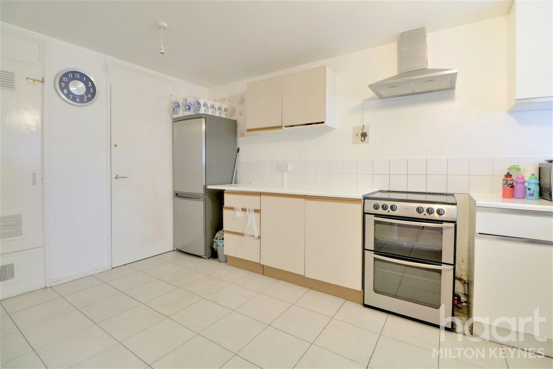 3 Bedroom Mid Terrace House Gairloch Avenue Milton Keynes 170 000 Haart