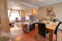 Lounge/Dining Room 13ft 6ins x 25ft 8ins (4.12m x 7.83m)