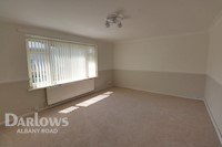 Living Room  12ft 3ins x 16ft 7ins (3.73m x 5.05m)