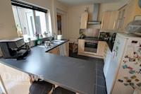 Kitchen / Diner  8ft 9ins x 18ft 5ins (2.67m x 5.61m)