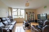 Kitchen 13ft 5 x 7ft 8 (4.1m x 2.3m) 13ft 5ins x 7ft 8ins (4.0