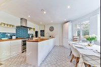 Kitchen / Diner 15ft 4 x 15ft 3 into bay