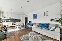 Lounge/Kitchen 21ft  x 12ft 1