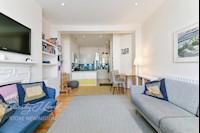 Master Bedroom  17ft 3ins x 12ft 3ins (5.26m x 3.73m)