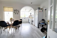 Dining Room 10ft 7ins x 8ft 9ins (3.23m x 2.67m)