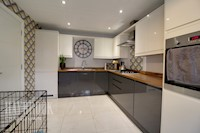 Kitchen / Diner 15ft 2ins x 9ft 5ins (4.63m x 2.88m)
