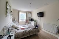 Master Bedroom 16ft 5ins x 9ft 9ins (5.01m x 2.99m)