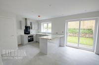 Living / Dining Area 11ft 5ins x 25ft 11ins (3.5m x 7.9m)