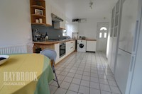 Kitchen / Diner 5.18m x 2.75m