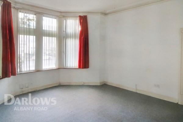 Living Room 17ft 4x14ft 3 (5.28m x 4.34m)