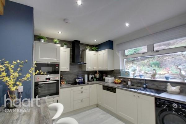 Kitchen 3.69 x 2.95 (12ft 1ins x 9ft 8ins)