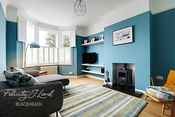 Living Room  16ft 2ins x 10ft 10ins (4.93m x 3.3m)
