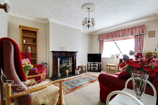 Living Room  14ft 2ins x 11ft 5ins (4.32m x 3.48m)