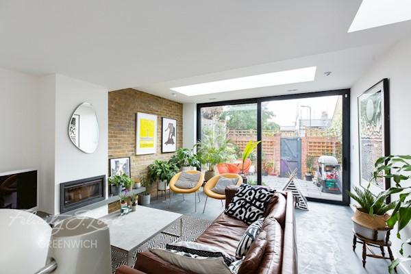 Living Room 16ft 5 x 15ft 1