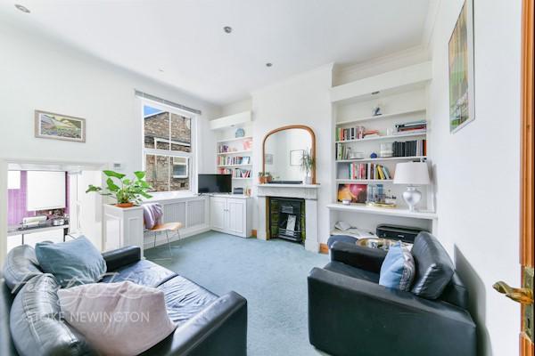 Living Room  13ft 6ins x 11ft 1ins (4.11m x 3.38m)
