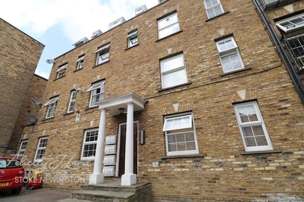 Walford Rd, London N16, UK - Source: Felicity J Lord